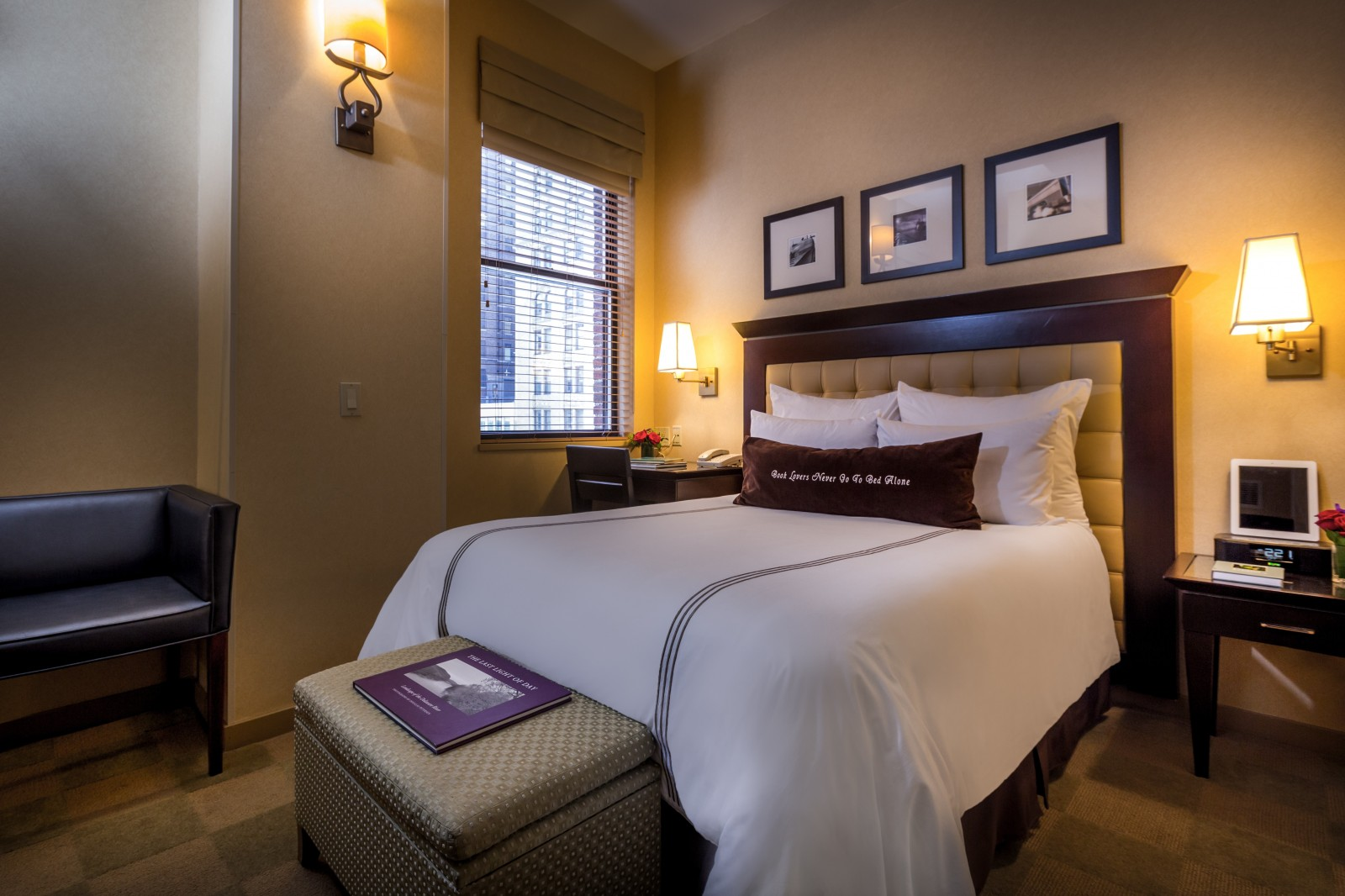 Library hotel new york city luxury accommodation nyc for Design hotel jaz in the city